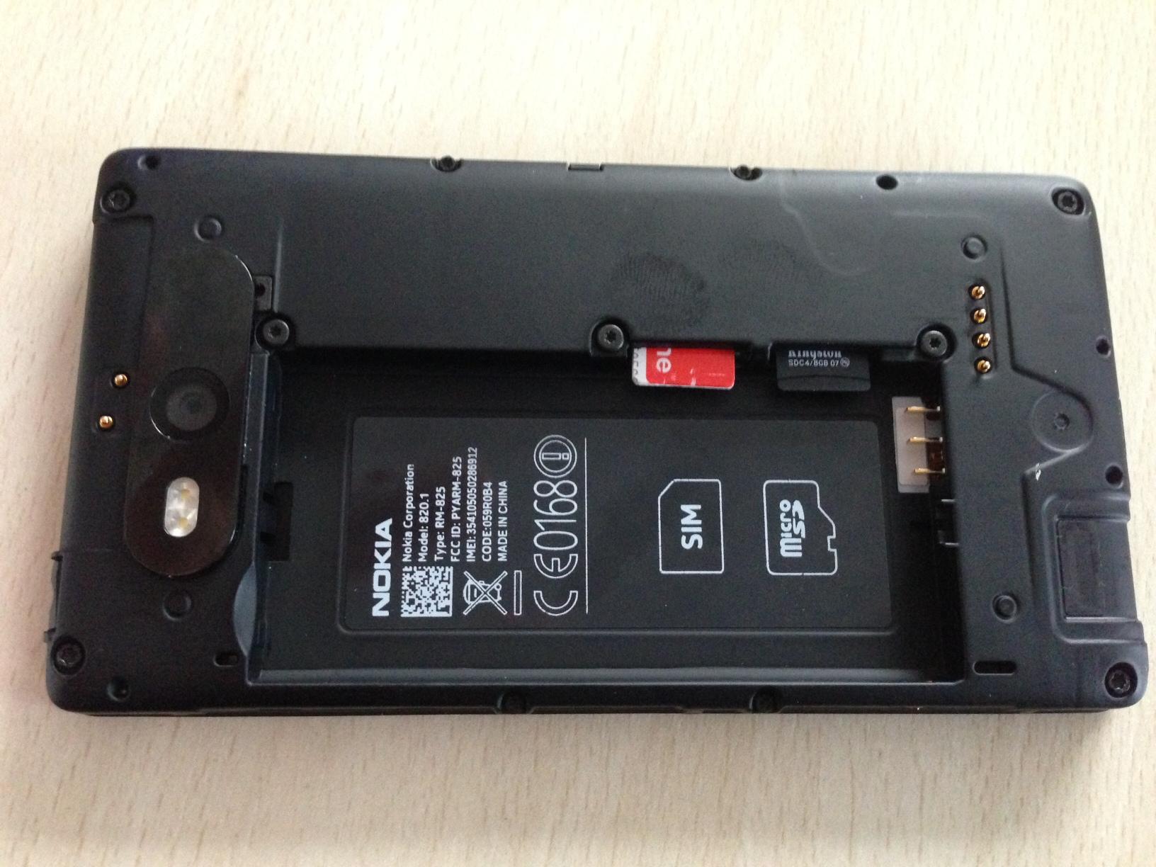 lumia 820 с windows phone 10 без батарейки